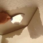 Ceiling blister knockdown sponge