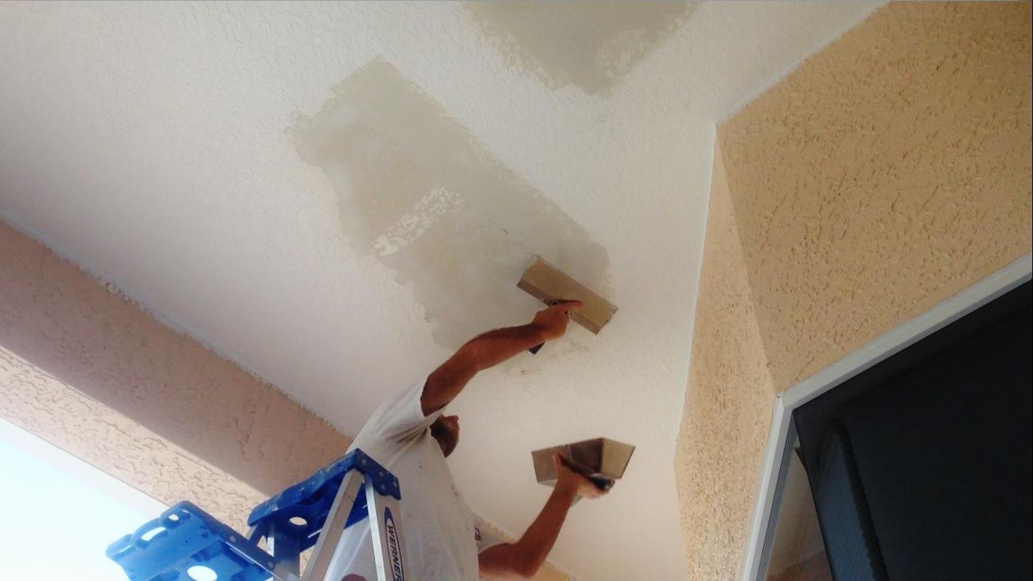 Mudding Ceiling Repair To Match Knockdown Texture Sponge